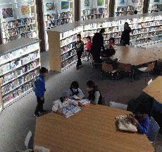 子ども図書館内部.jpg